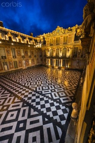 Courtyard of Chateau Versailles